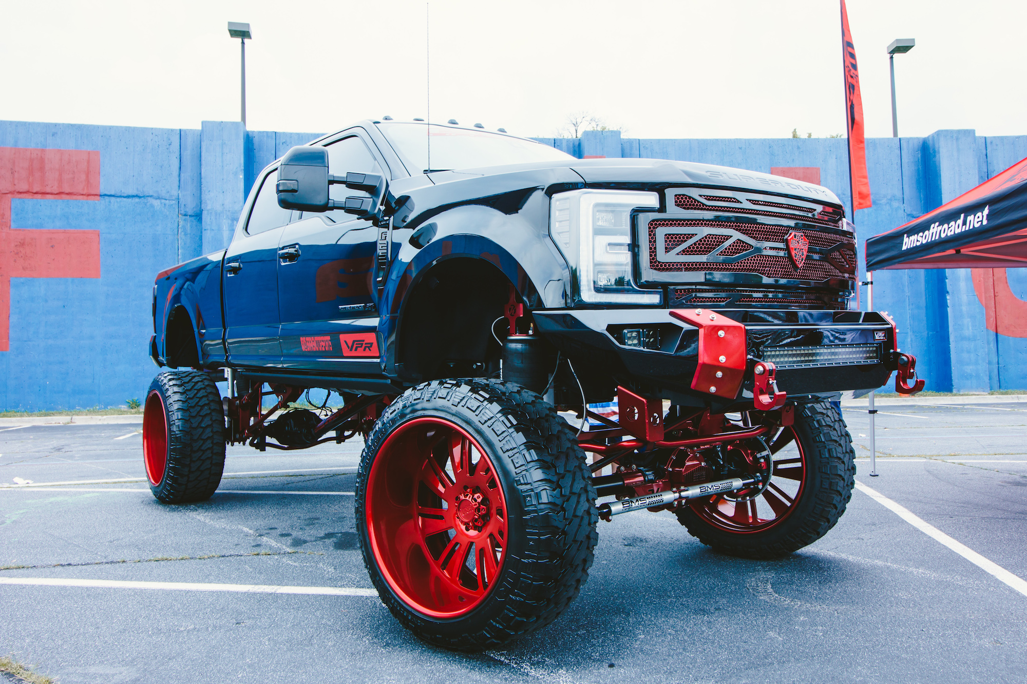 Big Truck Tires >> Lifted Trucks Of The Certified Summer Car Show Expedition